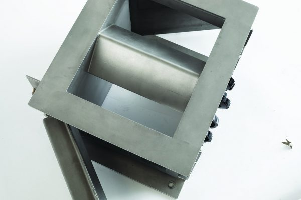 Bunting Plate Housing Magnet