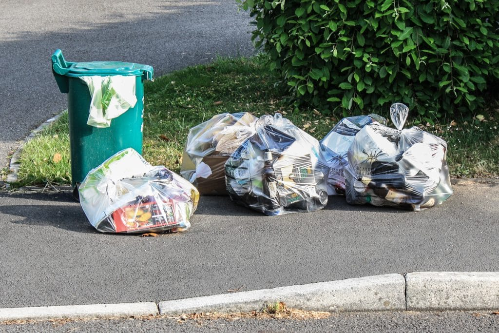 interesting recycling facts Learn what happens to all this junk with these interesting recycling facts in the late 1800s, peddlers acted as early recyclers they would carry sacks of reusable items in their wagons to sell to.