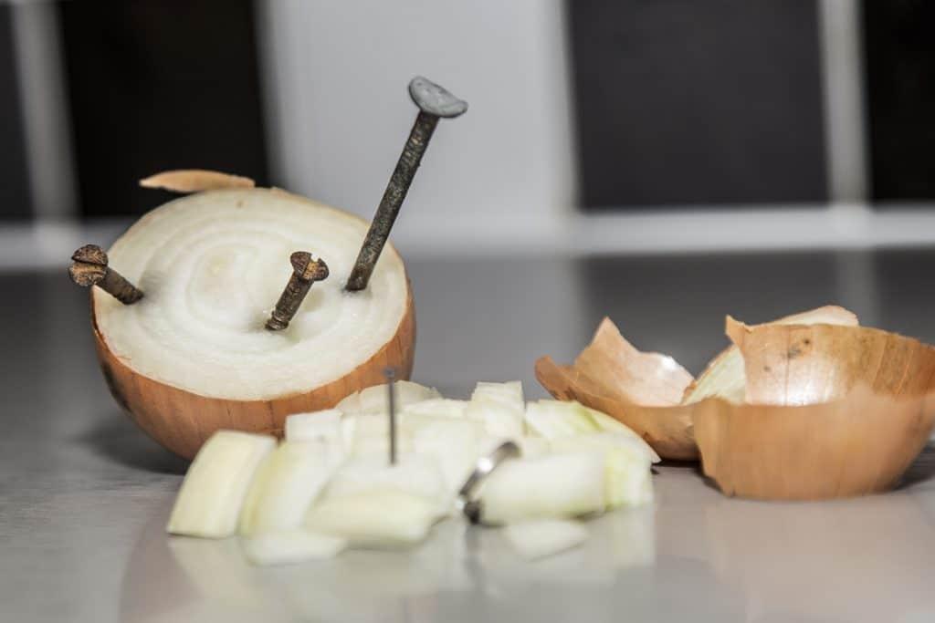 Metal in Onions