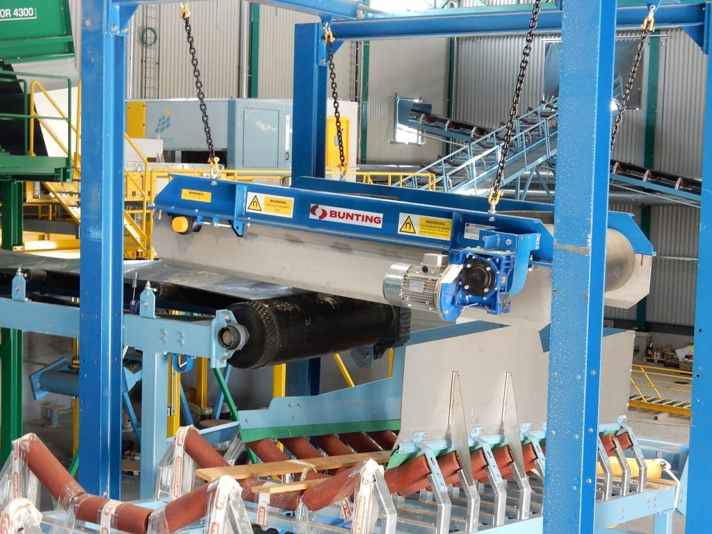 Overband magnet used in recycling plant